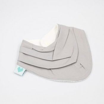 triangle bibs in grey fabric