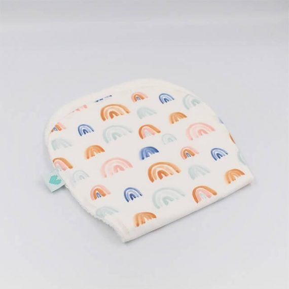 Burp bibs in Rainbows print