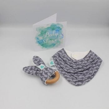 Newborn gift set in kangaroo print