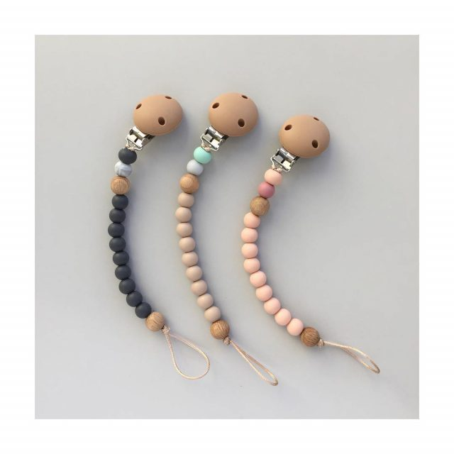 Dummy chains for nappy bag